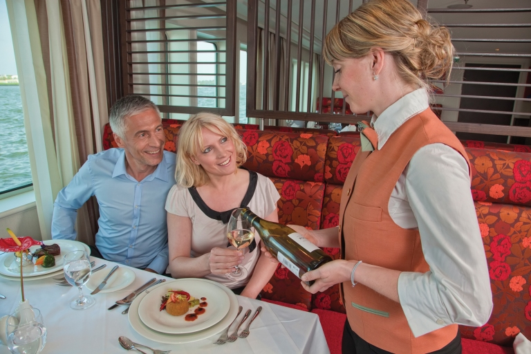 amabella_restaurant_wineservice
