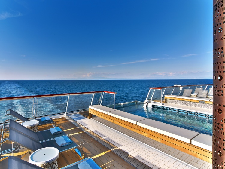 viking_ocean_ship_aquavit_infinity_pool-copy