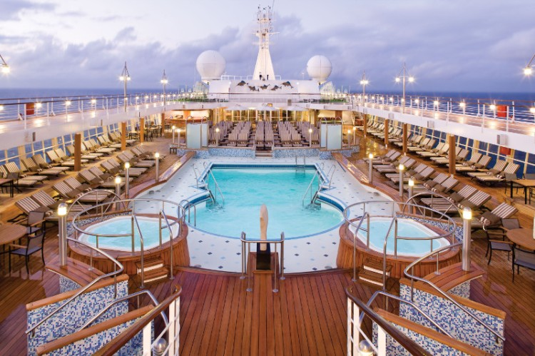 Pool Deck - Deck 11 Midship Seven Seas Voyager - Regent Seven Seas Cruises