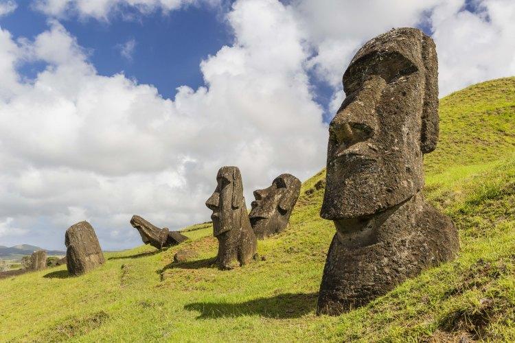 Lindblad Cruise Easter Island